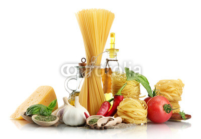 Pasta_spaghetti_vegetables_spices_and_oil_isolated_on_white_2.jpg